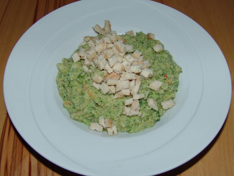 Brokkoli-Gemüse mit Pute und Couscous